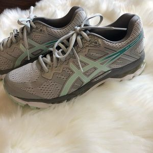 Womens' Asics Running Shoes Size 7